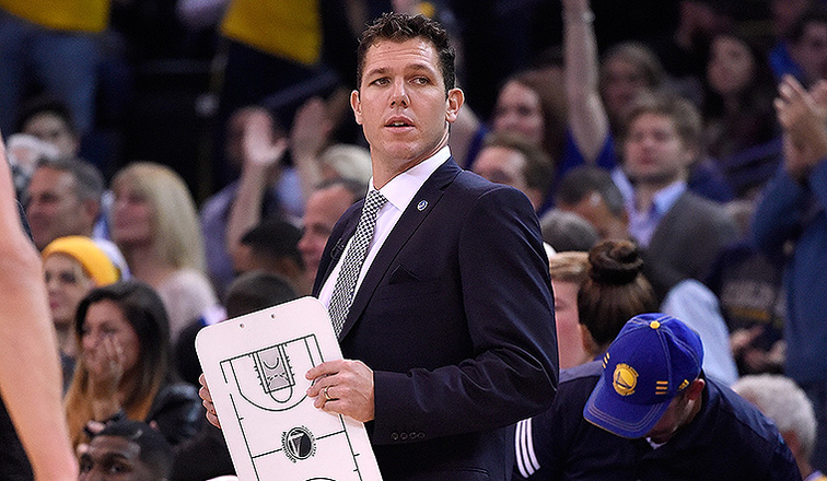Could the Cavs Land Luke Walton as Their Next Head Coach?