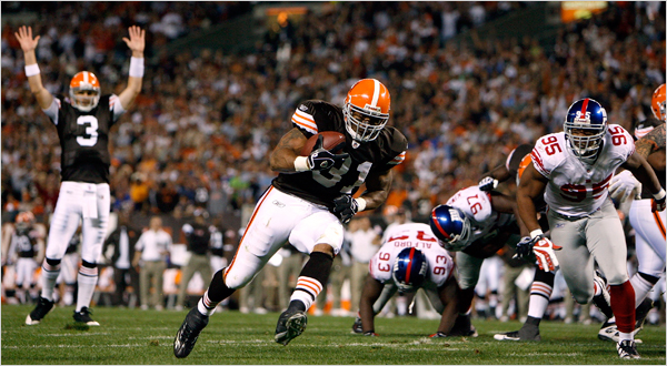 Classic MNF: Browns Beat Giants in 2008!