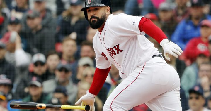 Indians Trade With Red Sox For C Sandy Leon